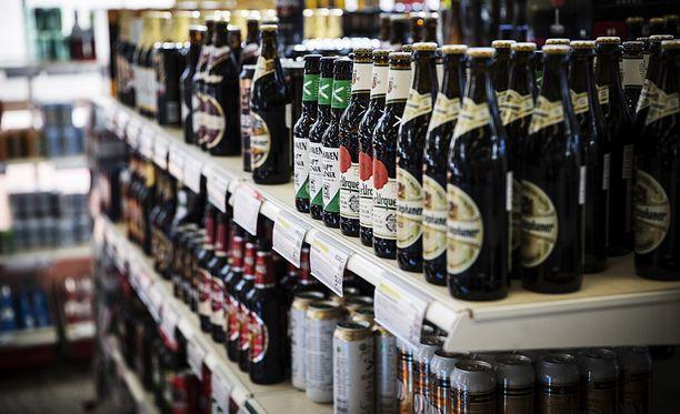 Perjantaina 15.12 ratkeaa, saako kaupoissa, kioskeissa ja huoltamoilla myydä jatkossa 5,5-prosenttisia alkoholijuomia.