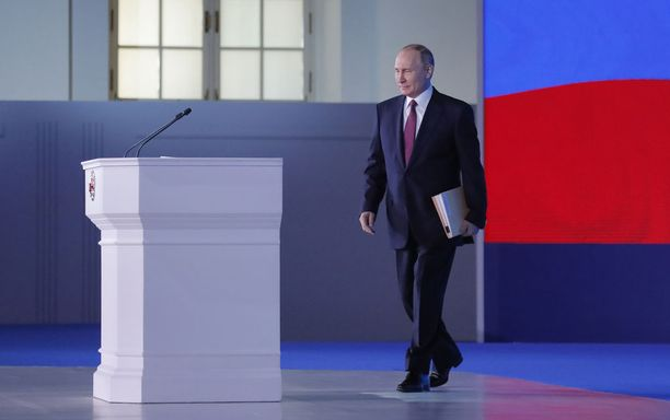 Putin puhui parlamentille ja muille päättäjille kaksi tuntia.