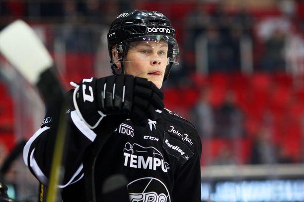 Juuso Pärssinen on toisen polven huippukiekkoilija.