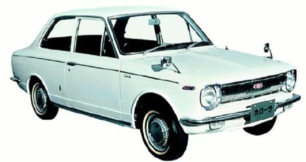 ALKU Tästä alkoi Toyota Corollan taru yli 40 vuotta sitten.