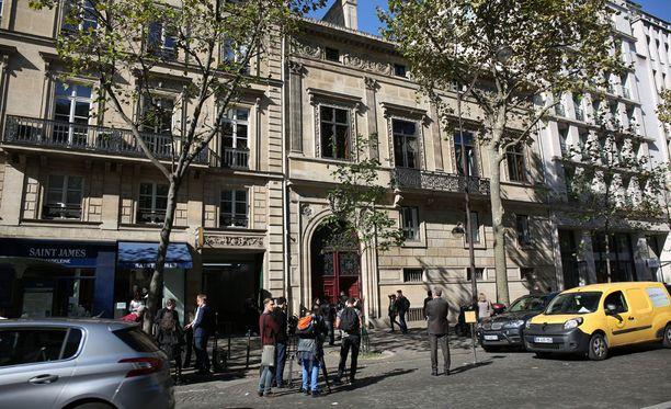 Pariisilaisasunto, jossa viihdetähti ryöstettiin.
