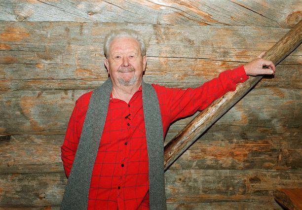 Lasse Pöysti kuvattuna vuonna 1999.