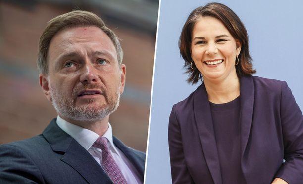 Nuorten keskuudessa suosituimmat puolueet ovat vihreät ja liberaalipuolue FDP. Kuvassa oikealla kansleriehdokkaana kampanjoinut vihreiden Annalena Baerbock ja vasemmalla FDP:n puheenjohtaja Christian Lindner.