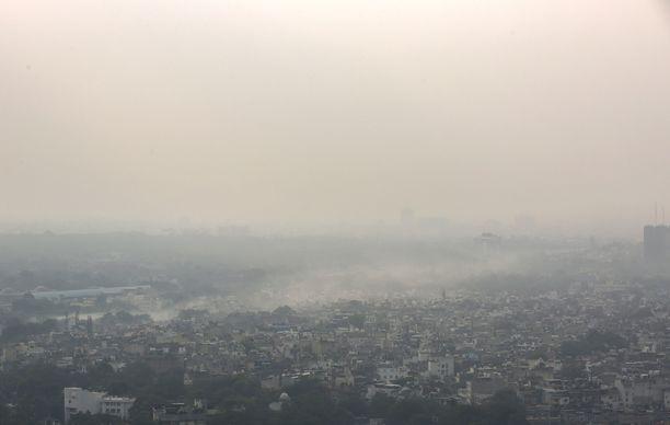 Esimerkiksi Intiassa ilmanlaatu on heikko. Kuvassa Delhi.