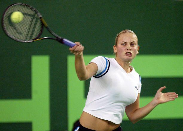 Jelena Dokic oli yksi 2000-luvun alun suurimmista tennislupauksista.
