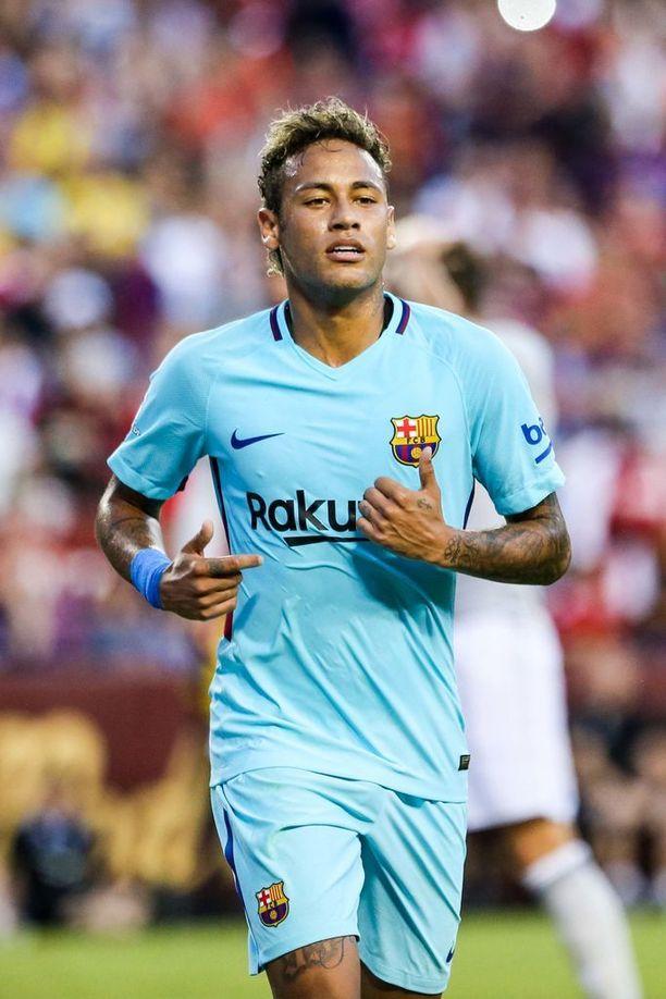 Neymar iskee Barcelonalle maaleja US-tourilla, mutta onko hän mukana enää kauden alkaessa?