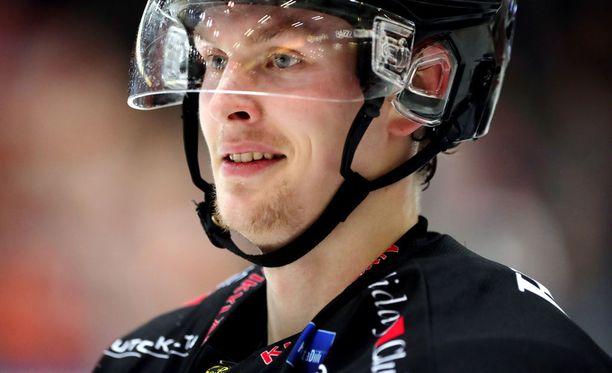 Urho Vaakanainen pelasi viime kauden SM-liigaa SaiPassa.