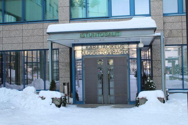 Keski-Suomen käräjäoikeus on vanginnut Viitasaaren murhasta epäillyn nuoren miehen. Hän on myöntänyt aiheuttaneensa naisen kuoleman. Arkistokuva.