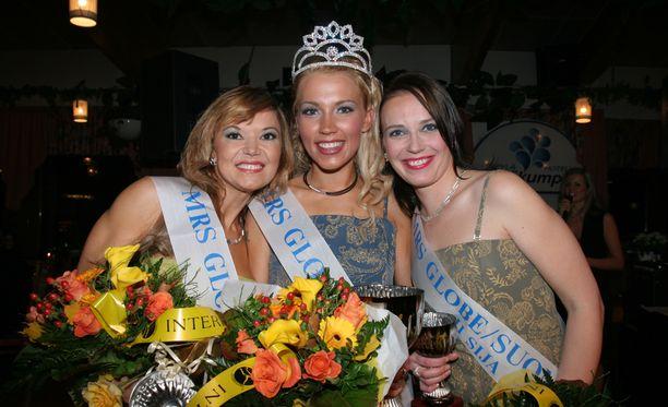 Riitta sijoittui kolmanneksi Mrs Globe Suomi -kisassa.
