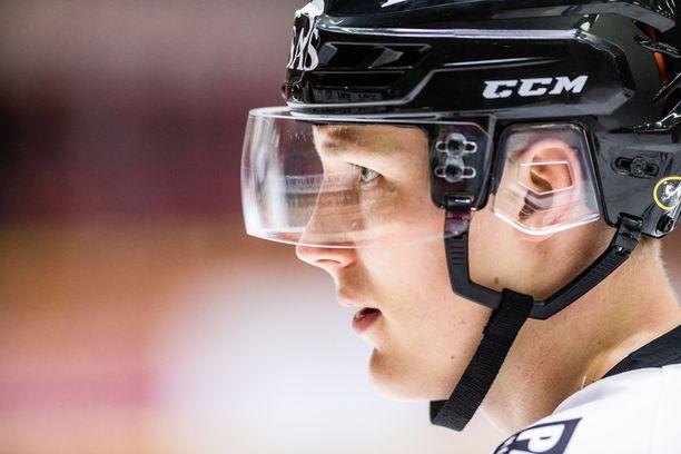 Aatu Räty pärjäsi omien sanojensa mukaan paremmin liigamiehistössä kuin A-junioreissa viime kaudella.