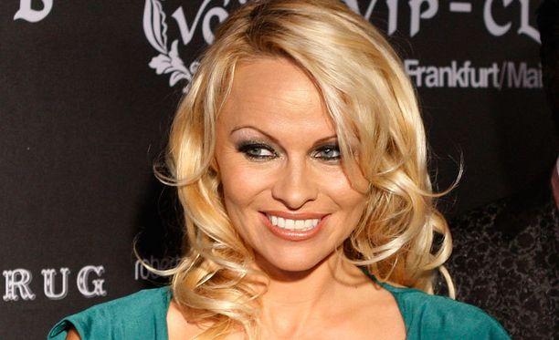 Pamela Anderson oli P.K. Subbanin ja Oliver Ekman-Larssonin listalla.