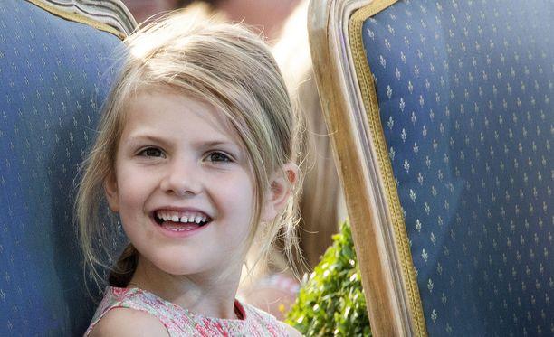 Millainenkohan reppu prinsessa Estellellä on?