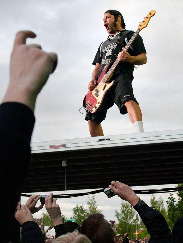 Metallican keikka villiinnytti yleisön ontuvista järjestelyistä huolimatta.