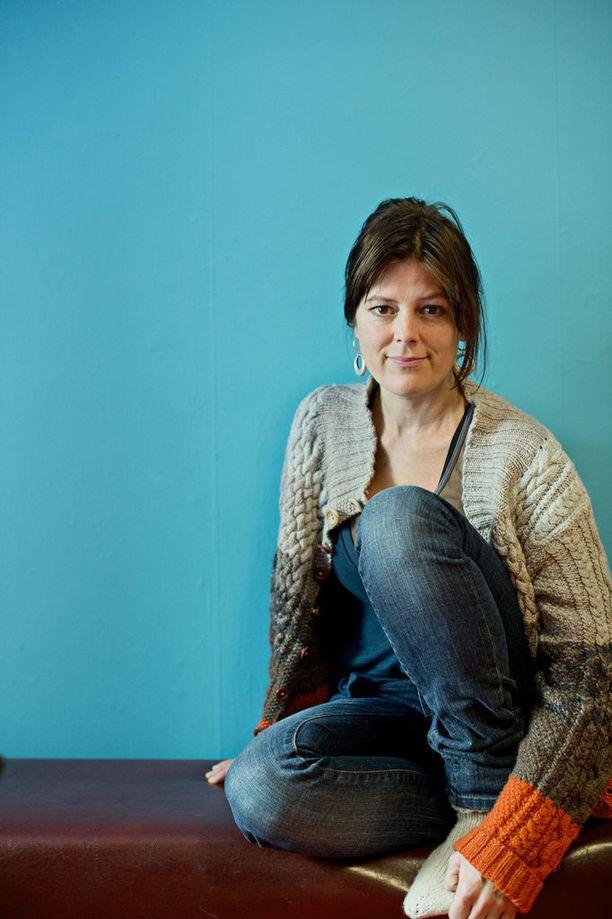Liisa Mustonen kertoi Ylen haastattelussa, kuinka joutui Törhösen ahdistelemaksi 1980-luvulla ollessaan vielä alaikäinen.