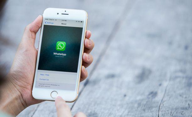 Whatsappiin on huhuttu tulevan mielenkiintoisia uusia ominaisuuksia. Yksi niistä on jo kertaalleen lähetettyjen viestien poistaminen tai muokkaaminen.