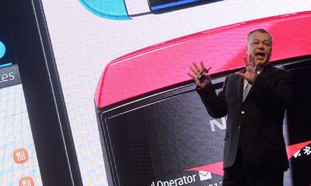 Stephen Elop nousi lavalla jo eilen, kun Nokia julkisti neljä uutta puhelinmallia Barcelonassa.