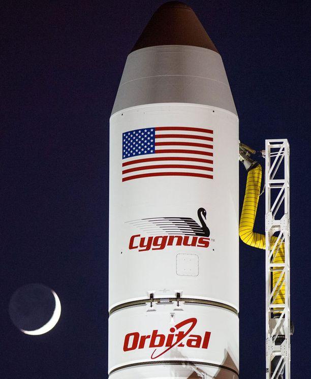14-kerroksinen raketti oli Orbital Sciences -yhtiön rakentama.