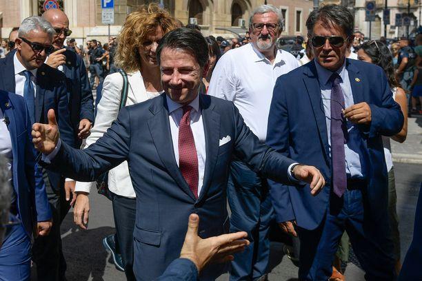 Italiaan saatiin viime vuoden vaalien jälkeen muodostettua hallitus populististen Legan ja Viiden tähden liikkeen kesken, kun pääministeriksi valittiin kompromissiehdokkaana sitoutumaton Giuseppe Conte.
