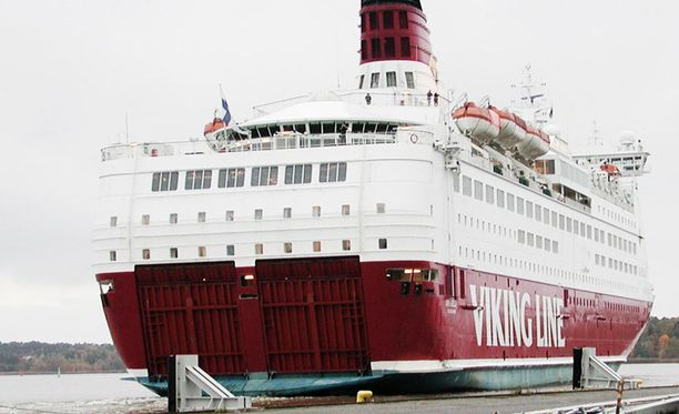 Viking Amorella seilaa Turun ja Tukholman väliä.