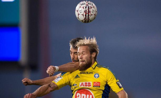 HJK:n Akseli Pelvas etenee Suomen cupissa kahden maalin ottelutahdilla.