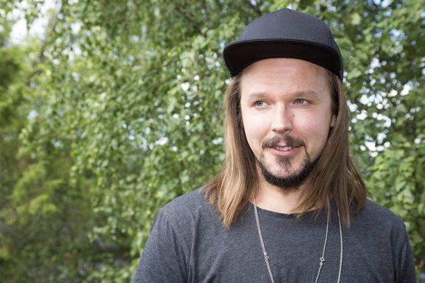 Jukka Poika on tunnettu suomalainen reggaemuusikko. Miehen kappaleisiin kuuluvat esimerkiksi Silkkii, Papaija ja Pläski.