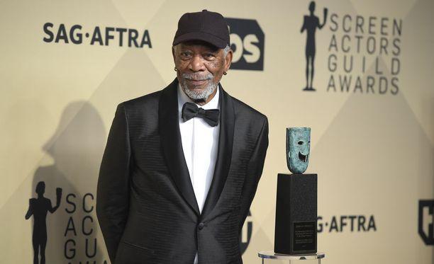 """Uutistoimisto AFP:n mukaan Freeman on """"arvovaltaisin näyttelijä, jota syytettään ahdistelusta"""" #metoo-kampanjan myötä."""