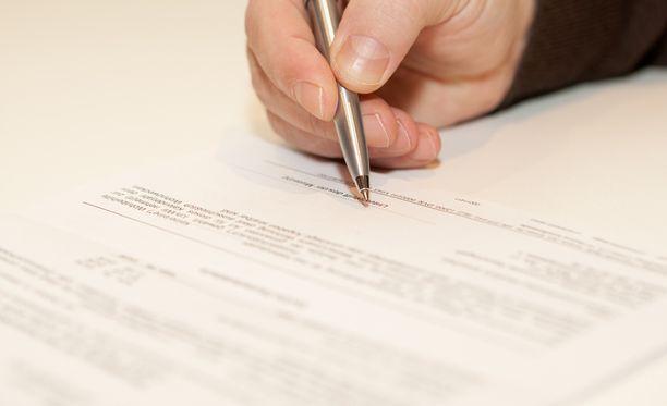 Aiemmin peruuttamisoikeus on koskenut vain etä- ja kotimyynnissä tehtyjä lainasopimuksia.