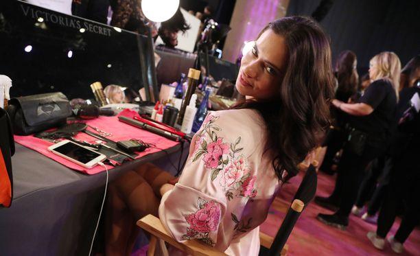 Brasilialainen Adriana Lima on Victoria's Secret -konkari.