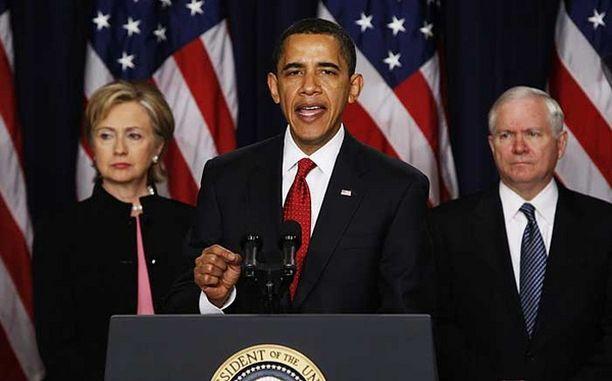 Presidentti Barack Obama julkisti Yhdysvaltain uuden Afganistan-strategian yhdessä ulkominsteri Hillary Clintonin ja puolustusministeri Robert Gatesin kanssa.