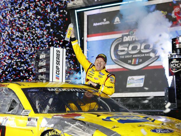 Michael McDowell tuuletti Floridassa uransa ensimmäistä voittoa Nascar-sarjassa.