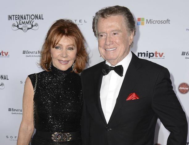 Philbin vaimonsa Joyn kanssa Emmy-gaalassa vuonna 2012.