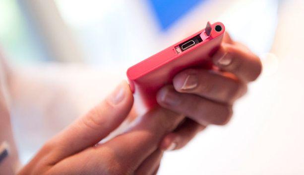 Älypuhelimen käyttö vaatii aivan omanlaistaan varovaisuutta.