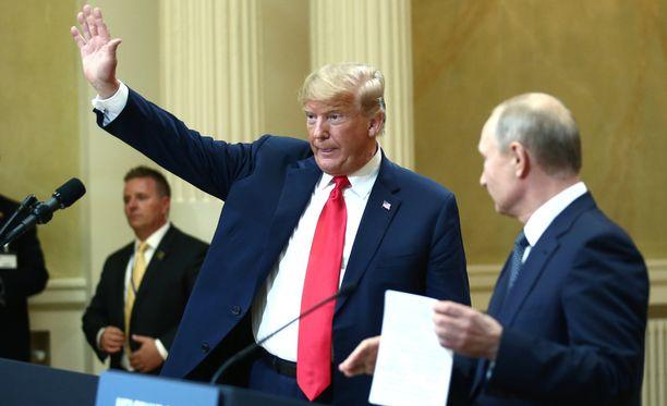 Trump ja Putin tapasivat Presidentinlinnassa Helsingissä.