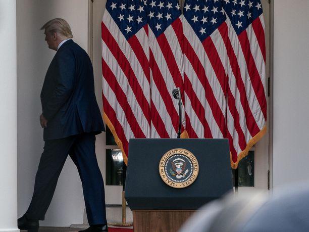Donald Trump ei suostunut vastaamaan verotietojaan koskeviin kysymyksiin maanantaina järjestetyssä lehdistötilaisuudessa.