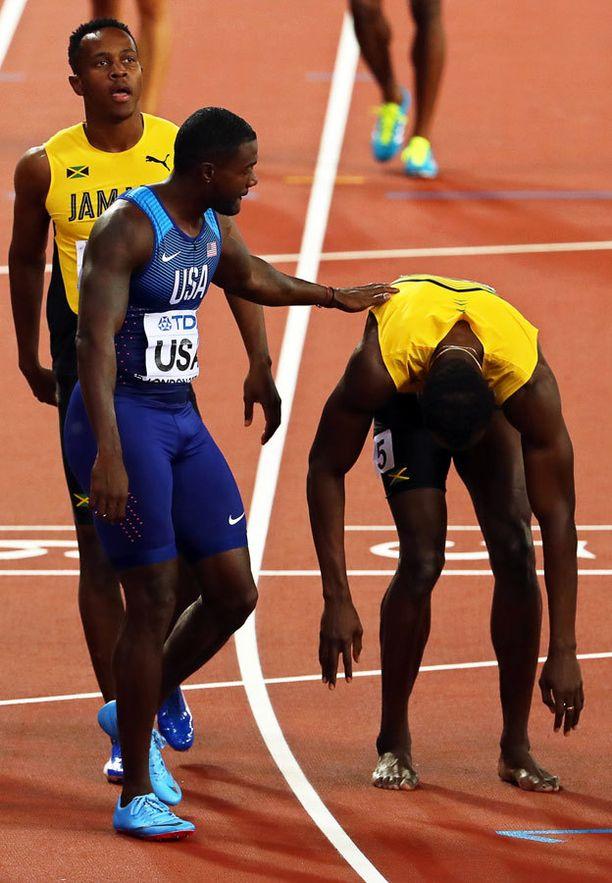 Gatlin jätti loukkaantuneelle Boltille vielä viimeiset terveiset kilpakumppanina Lontoossa.