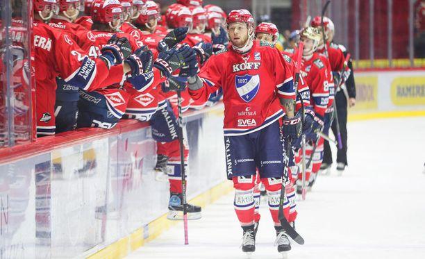 Thomas Nykopp vei HIFK:n 1-0-johtoon Ilvestä vastaan.