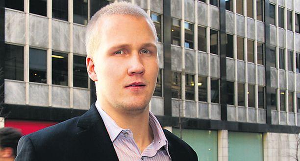 Joni Pitkäsellä on edessään pitkät neuvottelut.