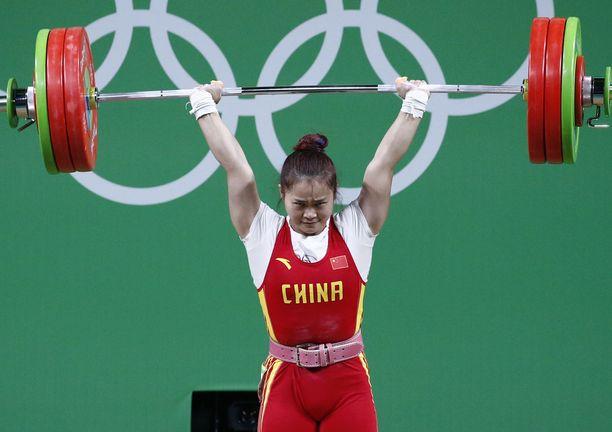 Kiinan Deng Wei voitti Rion olympialaissa 63 kilon sarjan kullan ME-tuloksell