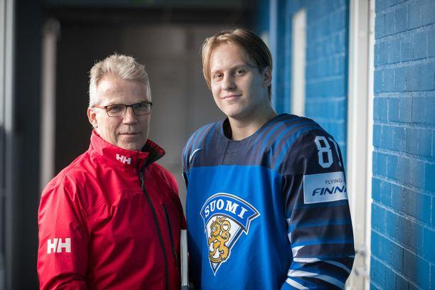 Keijo Leppänen teki kirjan Eeli Tolvasesta.