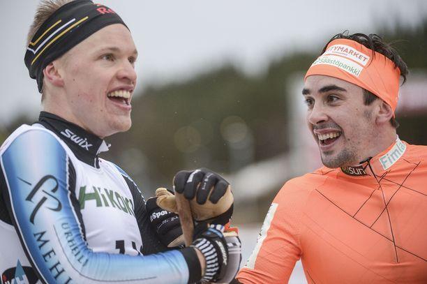 Hymyilevätkö Iivo Niskanen (vas.) ja Ristomatti Hakola leveimmin myös MM-kisojen pariviestin jälkeen? Esimakua tulevaan saadaan viikonloppuna Lahdessa.