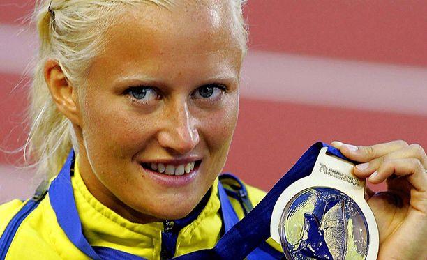 Carolina Klüft niitti menestystä yleisurheilukentillä.