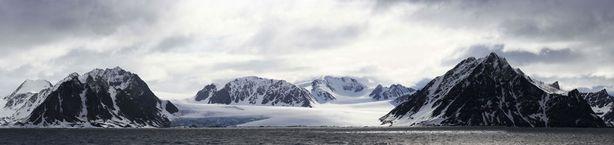 Huippuvuorilla kaamos on pitkä. Golfvirran ansiosta talvi ei kuitenkaan ole niin kylmä, kuin voisi luulla.