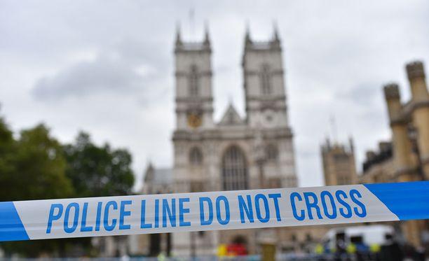 Poliisin eritysnauha tapahtumapaikalla 14. elokuuta. BBC:n tietojen mukaan epäilty tuli maahan kahdeksan vuotta sitten turvapaikanhakijana.