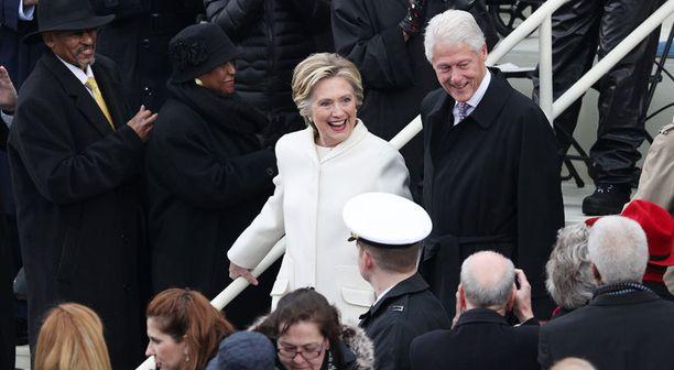 Hillary Clinton ja Bill Clinton ovat saapuneet seuraamaan virkaanastujaisia.