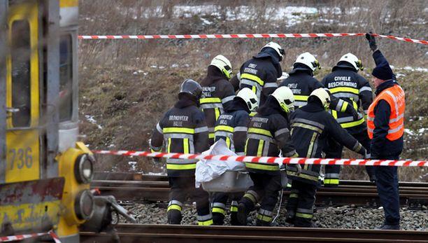 18 ihmistä kuoli vakavassa junaonnettomuudessa maanantaina. Määrän pelätään vielä nousevan, sillä moni loukkaantuneista on erittäin vakavassa tilassa.