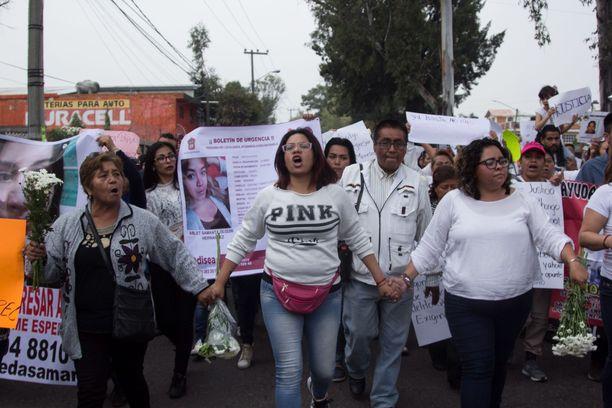 Naiset osoittivat mieltään Ecatepecissä viikonloppuna väkivaltaa vastaan.