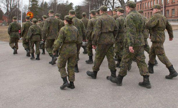 Puolustusvoimista ja Rajavartiolaitoksesta kotiutuu tänään noin 8 900 varusmiestä.
