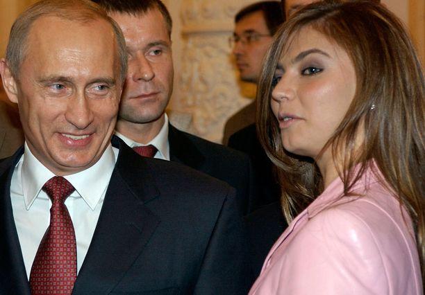 Alina Kabajevan on väitetty olevan yhdessä Putinin kanssa. Ainakin Kabajevan suvun asuntoasiat ovat nyt kunnossa.