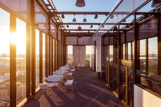 Helsingin Clarion-hotellin aurinkoterassille tulee kesäkuun alussa jälleen vilinää.