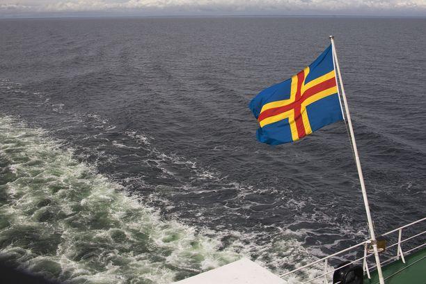 Viking Linen Rosella-aluksen keskiviikon lähdöt reitiltä Kapellskär-Maarianhamina on peruttu.